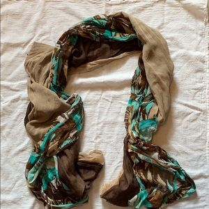 ✨F R E E✨with purchase✨ Light weight scarf